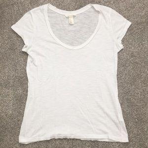 H&M Women's Classic Chic White Tee - Size: Medium